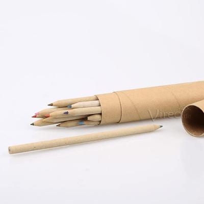 Buntstifte aus recycelten Zeitungen